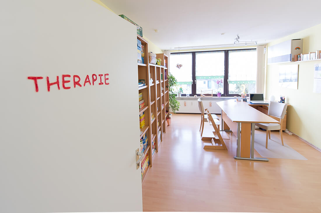 Logopaede-Eltmann-Salamon-Praxis-Therapiezimmer